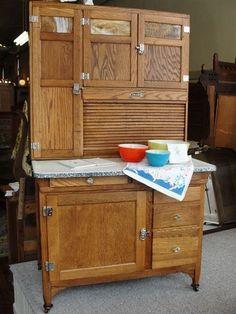 antique oak kitchen cabinets | 1920's Vintage Sellers Mastercraft Oak Kitchen Cabinet with Slag Glass