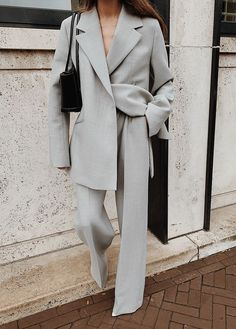 The Perfect Suit — MODEDAMOUR - My Style - Modedamour dress vintage dress aesthetic dress Classy Outfits, Chic Outfits, Vintage Outfits, Fashion Outfits, Dress Vintage, Suit Fashion, Look Fashion, Winter Fashion, Fashion Design
