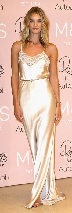 Rosie Huntington-Whiteley Style | Valentine's Day Outfit Idea