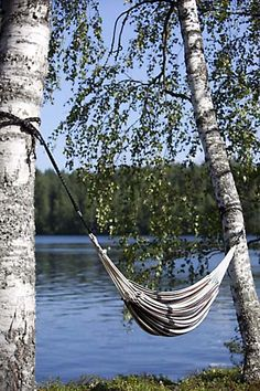 A perfect spot for a hammock Finland Destinations, Lakeside Living, Lakeside Cabin, Hammock Swing, Hammocks, Ocean Front Homes, Summer Dream, Summer Time, Lake Cabins