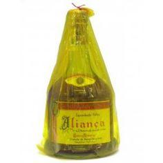 Aguardente Aliança Velha 20 Anos - Rotulo Amarelo. Definitely a good 20 year old brandy for daily use.