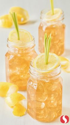 This Vanilla & Lemongrass Arnold Palmer recipe will be the talk of the block at your next backyard bash! Garnish this drink with a stalk of lemongrass and a lemon twist for a festive summer look.