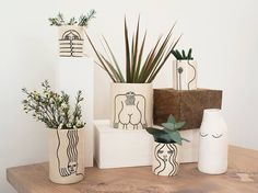 We're going potty over quirky hand-painted ceramics. Read our interview with the designer/maker - link in bio! by glasshousejournal Pottery Painting Designs, Paint Designs, Pottery Art, House Plants Decor, Plant Decor, Eco Deco, Painted Plant Pots, Deco Nature, Decoration Plante