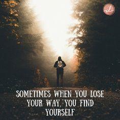 Wees lief voor jezelf in dit hele proces en weet dat dit ook voorbij gaat en dat iedereen dit weleens ondergaat. Als het echt niet alleen gaat, vrees dan niet om hulp te vragen. Andere mensen kunnen jou dat zetje geven of dat inzicht geven, of alleen een luisterend oor zijn en jou het gevoel geven dat je er niet alleen voor staat. Vertrouw op jezelf en houd van jezelf in alle opzichten. Je bent goed zoals je bent, ook al zie je dat misschien nu nog niet.