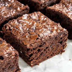 These homemade brownies are fudgy, chocolatey and have a crinkly top. The batter comes together in a few minutes and tastes way better than boxed brownies. Fudgy Brownie Recipe, Brownie Ingredients, Fudgy Brownies, Brownie Cake, Chocolate Brownies, Boxed Brownies, Brownie Bites, Irish Cream Cake, Death By Chocolate Cake