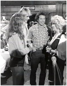Tammy Wynette with Catherine Bach, John Schneider, and Tom Wopat on the set of Dukes of Hazzard. Bo Duke, Dukes Of Hazard, John Schneider, Tammy Wynette, Catherine Bach, Augusta Jones, George Jones, Country Music Singers, Old Tv Shows