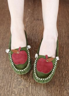 Found via withoutmelissa.com - these extremely gorgeous *handmade!* leather moccasins from etsy seller darlingtonia. $129.00