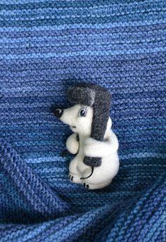 """Купить Брошь валяная """"Умка в шапке"""" - белый, умка, медвежонок, медведь, медвежонок умка"""