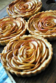 Rosette Apple Pie Tartlets - such beauties!