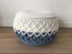 Ottoman, Pillows, Rugs, Crochet Ideas, Blankets, Home Decor, Crochet Baskets, Crocheting, Farmhouse Rugs