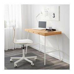 IKEA - LILLÅSEN, Scrivania, , Il bambù è un materiale resistente, rinnovabile e sostenibile.Si può collocare anche al centro della stanza, poiché il pannello di fondo è rifinito.I fermacassetti evitano che i cassetti vengano estratti completamente.