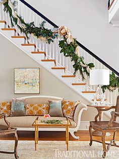 Now that Thanksgiving has come and gone, I'm all about Christmas! This Richmond, Virginia home by Janie Molster Designs is really inspiring my decorating…I just love those garlands! The…