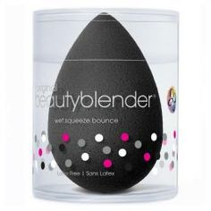 beautyblender® pro is the perfect application tool for darker-toned products that would be difficult to rinse clean from a lighter colored applicator. Use with complexion products, long-wear makeup, and self-tanners for flawless results. No Foundation Makeup, Powder Foundation, Boutique Marie Claire, Beauty Blender Pro, Motivational Messages, Makeup Sponge, Best Makeup Products, Things That Bounce, Latex