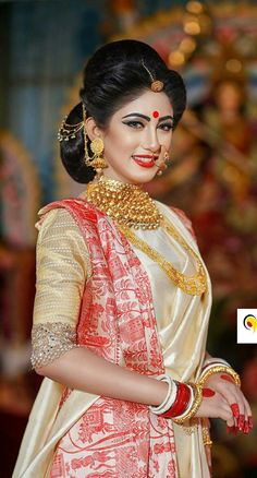 Bengali Wedding Hairstyles Bridal - Based on your venue agreement, there could be a few limitations with regards to the sort of decor it is possible to generate or alterations you may make to the area. For instance, a museum or traditional. Bengali Bridal Makeup, Indian Wedding Makeup, Indian Wedding Bride, Bengali Wedding, Indian Bridal Fashion, Wedding Sarees, Desi Wedding, Indian Weddings, Wedding Attire