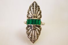 Vintage Art Deco Emerald Green Cocktail Ring / Sterling Silver and Marcasite / Size 6 1/2