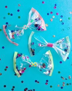 How to Make Confetti Bows, by Pretty Prudent #sparkly #bows #sequins