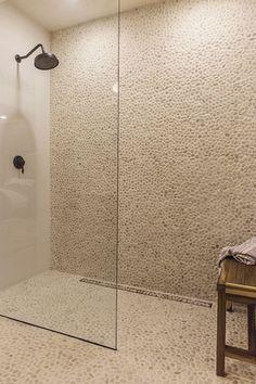 New Bathroom Spa Decor Pebble Tiles Ideas Spa Bathroom Decor, Bathroom Interior, Small Bathroom, Master Bathroom, Bathroom Ideas, Spa Bathroom Design, Nature Bathroom, Zebra Bathroom, Houzz Bathroom