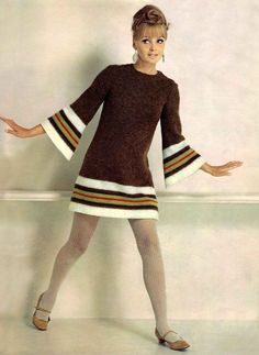 Vintage Fashion Model in a brown knit dress, - Vintage Chic, Vintage Mode, Looks Vintage, Retro Vintage, Vintage Outfits, Retro Outfits, Vintage Dresses, Vintage Clothing, Stylish Outfits