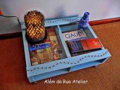 Mesa feita com pallet by ALÉM DA RUA ATELIER/Veronica Kraemer, via Flickr