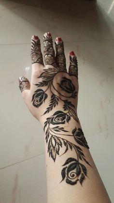 Rose mehndi design Rose Mehndi Designs, Khafif Mehndi Design, Latest Henna Designs, Arabic Henna Designs, Modern Mehndi Designs, Mehndi Design Pictures, Wedding Mehndi Designs, Mehndi Designs For Fingers, Beautiful Mehndi Design