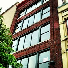 Grand Rapids Real Estate Trends: Monroe Center Condos - Monroe Center condos are charming loft style construction with original hardwood floors, exposed brick walls, tall ceilings, large windows and many fantastic upgrades such as granite and solid surface counter tops and in unit laundry. Great location in the heart of the downtown Grand Rapids entertainment district.