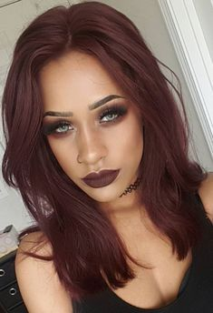 37 Ideas Hair Color Plum Highlights Fall - Hairstyles For All Deep Burgundy Hair Color, Red Violet Hair, Hair Color Auburn, Hair Color Purple, Brown Hair Colors, Mahogany Hair, Corte Y Color, Brown Blonde Hair, Blonde Brunette