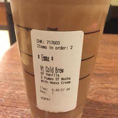 Healthy Starbucks - All About Health Starbucks Unicorn Frappuccino Recipe, Starbucks Caramel, Starbucks Coffee, Secret Starbucks Recipes, Starbucks Secret Menu Drinks, Starbucks Hacks, Yummy Drinks, Healthy Drinks, Passion Tea Lemonade