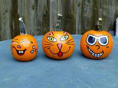 Painting Pumpkins, Pumpkin Painting, Pumpkin Art, Cat Pumpkin, Pumpkin Faces, Pumpkin Carving, Halloween Projects, Halloween Cards, Holidays Halloween