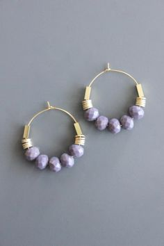 gold plated brass hoop earrings with lavender glass and brass Bead Jewellery, Beaded Jewelry, Cute Jewelry, Jewelry Crafts, Beaded Earrings, Earrings Handmade, Handcrafted Jewelry, Creations, Vintage