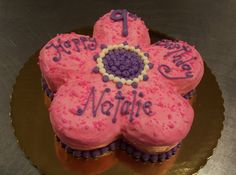 Flower Shaped Cake!