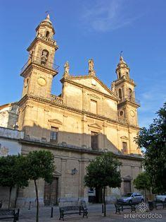 La Iglesia del Juramento conmemora la aparición del Arcángel San Rafael al Padre Roelas, a quien se le presentó como custodio de la ciudad.