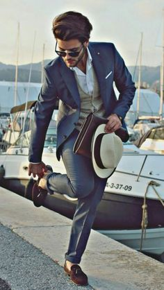 A well dressed gentleman doesnt forgets to live up th style⋆ Men's Fashion Blog - #TheUnstitchd