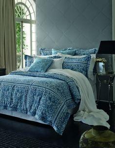 beautiful blue!! classic. Bedroom inspirations #bedcover #bedroom