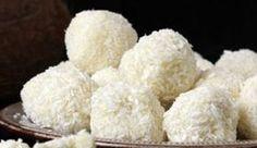 ✟: Χιονισμένα Χριστουγεννιάτικα τρουφάκια με λευκή σοκολάτα και ινδική καρύδα