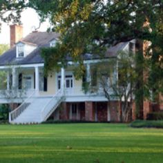 Crescent Farms plantation....1849 (?)...HWY 311, Houma, Louisiana... My all time favorite house.