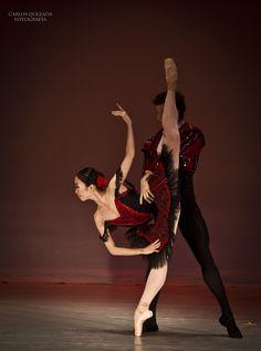 Compañía Nacional de Danza // México  Don Quixote Pas de Deux - Mayuko Nihei & Roberto Rodriguez  Photo: Carlos Quezada