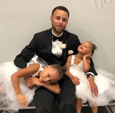 Sydel Curry, sister of marries Golden State Warriors player Damion Lee on September 2018 in North Carolina. Sydel Curry, Curry Nba, Stephen Curry Family, The Curry Family, Stephen Curry And Daughter, Daddy Daughter, Daughters, Baby Daddy, Basketball