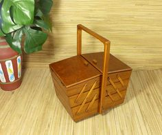 Other Antique Furniture Hard-Working 1970s Mid-century Sewing Table Utensilo Basket Box Rockabilly 6 Antique Furniture