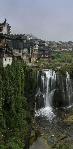 Furong an ancient town located in Yongshun County of Xiangxi, Hunan, CHINA   (http://en.directrooms.com/hotels/subregion/1-12-7493/)