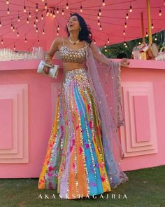 Mehendi Outfits, Indian Bridal Outfits, Indian Bridal Lehenga, Indian Gowns, Indian Attire, Wedding Lehenga Designs, Designer Bridal Lehenga, Designer Party Wear Dresses, Indian Designer Outfits