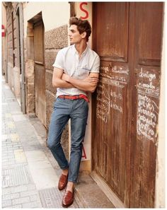 Summer outfit inspiration from J Crew spain with loafers pants short sleeve shirt #jcrew #menswear #menstyle #mensfashion #summerstyle #summeroutfits
