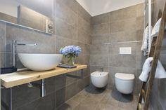 Bagni piccoli: 15 soluzioni per una ristrutturazione moderna! Ispiratevi Foto Real, Bathtub, Real Estate, Bathroom, Photography, Chromotherapy, Houses, Standing Bath, Washroom