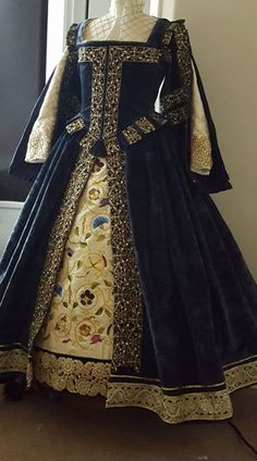 Designs From Time - Historical Costume DesignerYou can find Renaissance clothing and more on our website.Designs From Time - Historical Costume Designer Mode Renaissance, Costume Renaissance, Renaissance Clothing, Renaissance Fashion, Steampunk Clothing, Elizabethan Dress, Elizabethan Fashion, Tudor Fashion, Victorian Fashion