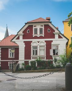 Wolfsberg/Kärnten. Style At Home, Berg, Mansions, House Styles, Home Decor, Communities Unit, Decoration Home, Manor Houses, Room Decor