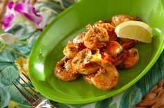 ハワイで人気のガーリックシュリンプ。少ない材料でとっても簡単に作れます。ガーリックシュリンプ/増田 知子のレシピ。[洋食/炒めもの]2015.06.19公開のレシピです。