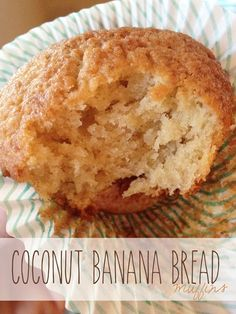 Coconut Banana Bread, Banana Bread Muffins, Healthy Breakfast Muffins, Breakfast Bake, Yummy Snacks, Delicious Desserts, Yummy Food, No Bake Desserts, Dessert Recipes