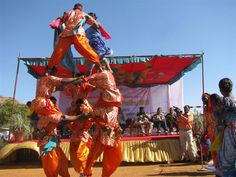 http://www.goexplore-india.com/tribes-of-gujarat-tour.php
