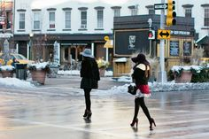 Reason #238: Even on the coldest of days, people are still dressed to the nines. #newyork