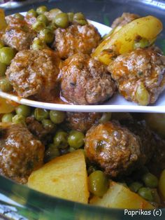 meatballs simmered with peas - Mijoté de boulettes au petits pois - Paprikas Algerian Recipes, Gujarati Recipes, Indian Food Recipes, Ethnic Recipes, Chicken Pork Recipe, Minced Meat Recipe, Cafe Du Monde Recipe, Tunisia Recipe, Morrocan Food