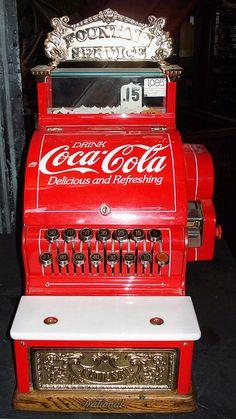 Coke Soda Fountain Register Coca Cola Decor, Coca Cola Ad, Always Coca Cola, World Of Coca Cola, Coca Cola Bottles, Coca Cola Merchandise, Coca Cola Kitchen, Cocoa Cola, Retro
